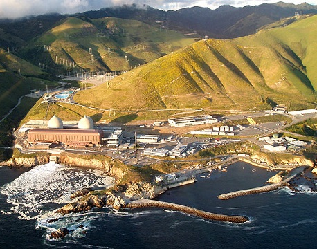 The Diablo Canyon Power Plant in San Luis Obispo County, California. This electricity-generating nuclear power plant near Avila Beach has operated safely since 1985. Photo by marya from San Luis Obispo, USA: https:// flickr.com/photos/35237093637@N01